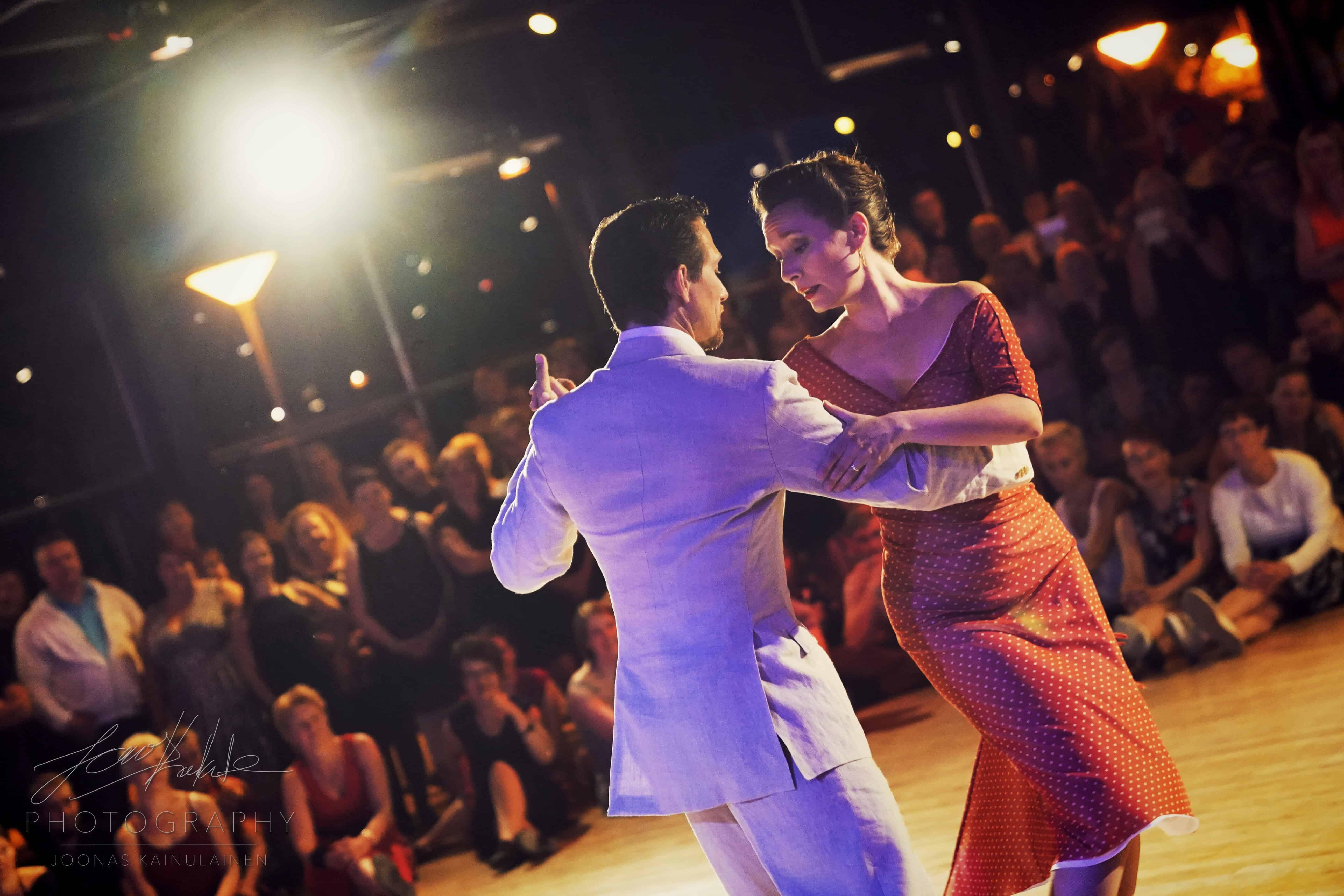 Valasrannan Tanssileiri - Argentiinalainen tango