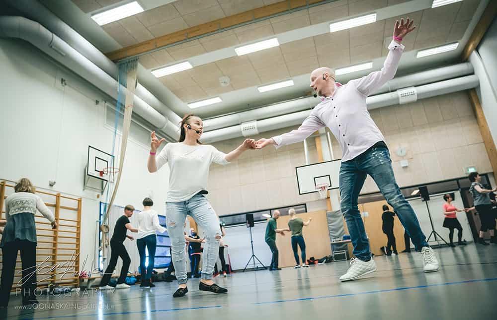 Paasiaisleiri tanssikurssit