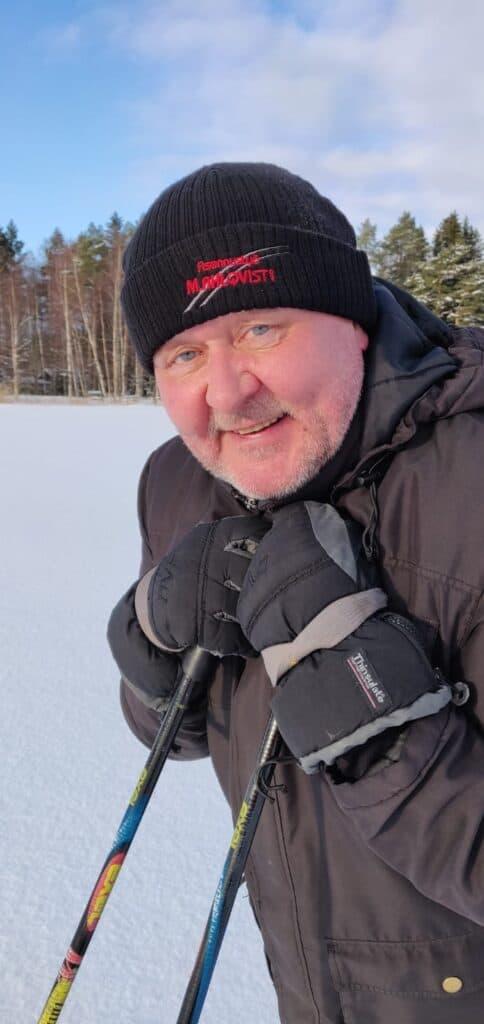 Jussi Lammela nauttii keväthangista keikkoja odotellessa