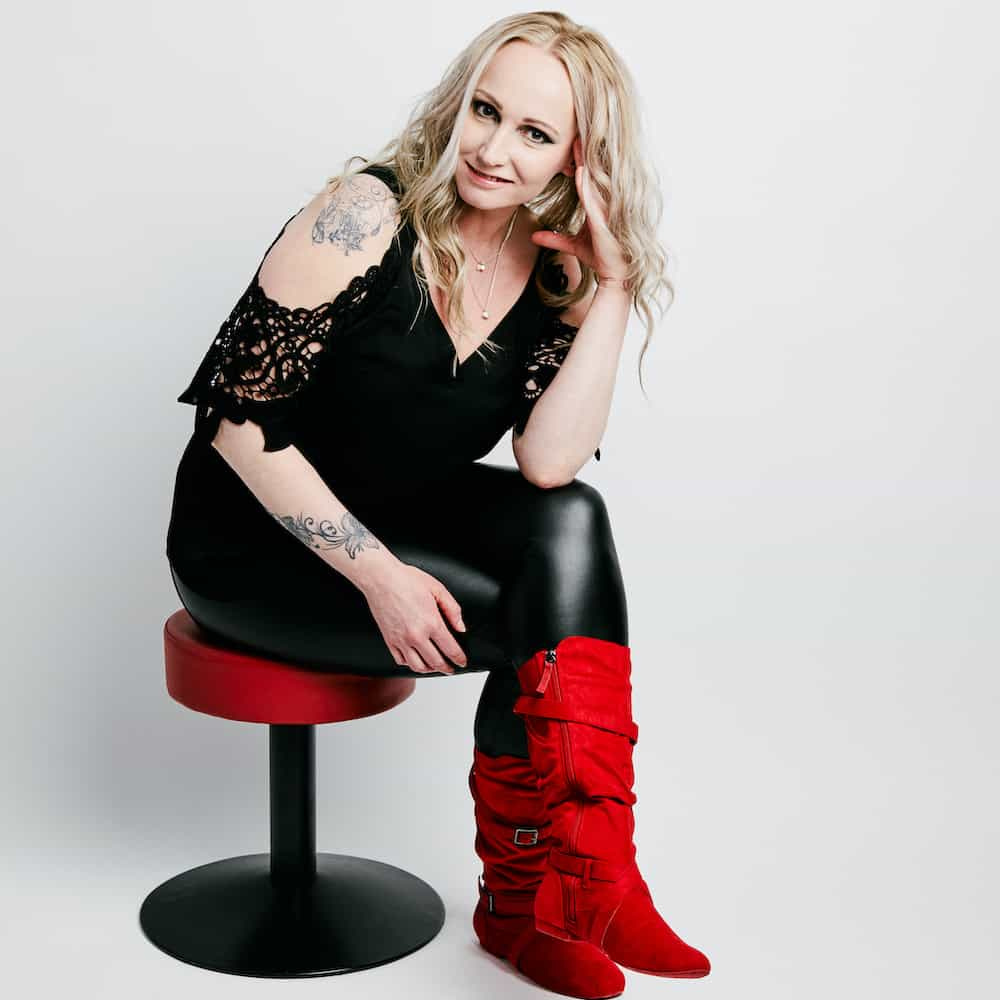 Sonja Tammi, laulaja ja tanssin harrastaja