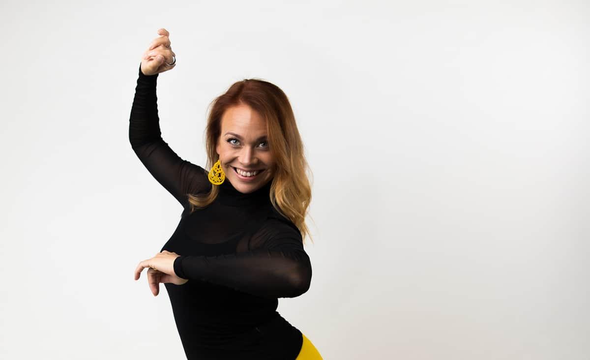 Tanssiopettaja Janica Saarni